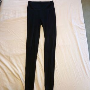Fabletics High-Waisted Solid Powerhold Legging